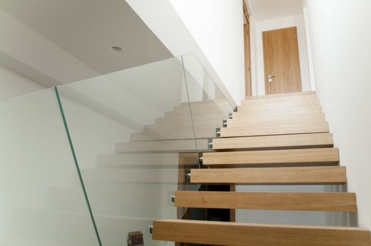 Modern and beautiful glass railing #glass #railing #glassrailing #modernrailing #glassinterior