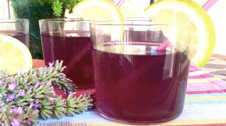 Lavender Limonade o Limonata alla Lavanda