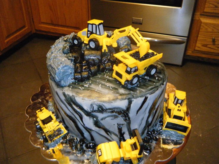 Caterpillar Construction Themed Birthday Cake Construction