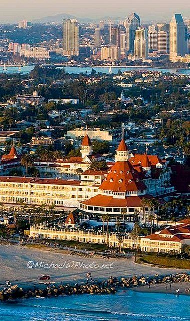 San Diego, California, I would move there in a heartbeat if it weren't so flipping expensive =(