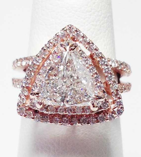 Up for sale is a Beautiful 14K Rose Gold Trillion Cut Diamond Double Halo Style Band Can Be Worn As A Engagement Ring, Wedding Band, Anniversary Ring, Right Hand Ring, and Is Great For Any Occasion Birthday, Christmas, Valentines Day, Push Gift. Diamond Total Weight 2.00 Carats Color: