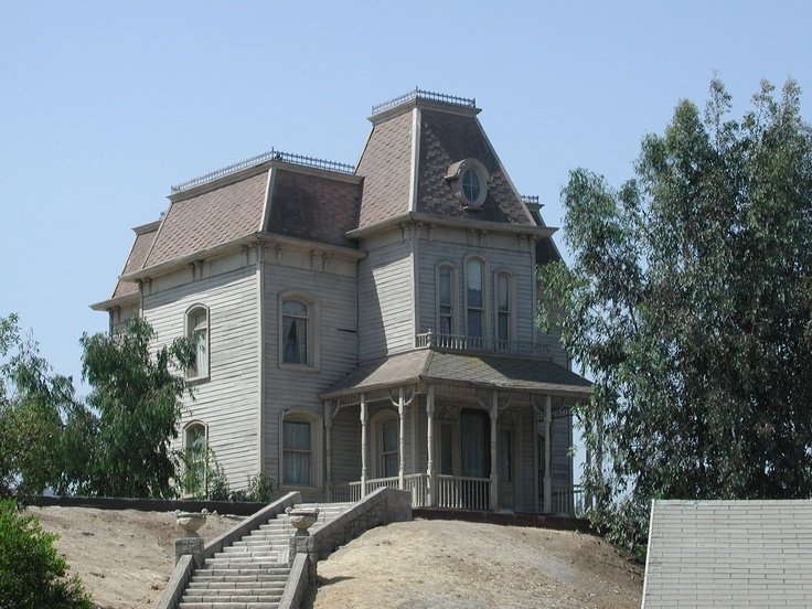Victorian mansard roof psycho house universal studios for Mansard roof pros and cons