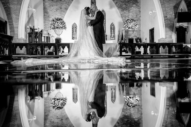 ChrisChris #retro2016  #fotografiadecasamento #noiva #casamento #bride #wedding #love #amor #boda #weddingparty #fotografodecasamento #vestidodenoiva #happy #weddingdress #weddinginspiration #family #ceremony #romance #marriage #weddingday #bridalmakeup #instawedding #weddingideas #weddingphotography #noiva #weddingdecor #bridetobe #feliperezende #clicksdofeliperezende