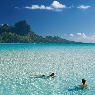 Бора-Бора. #бора #борабора #лагуна #чистая #чистаявода #море #плавание #плавать #пляж #вода #песок #отдых #отпуск #загорать #загар #океан #турист #туризм #путешествие #солнце #облака #фотографии #фото