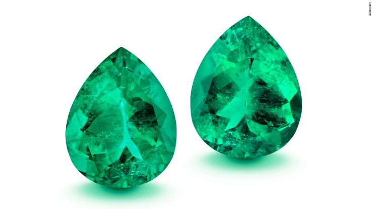 """More than 20 cut and raw emeralds and 13 spectacular pieces of jewelry are up for auction on April 25, including the rare 887-carat """"La Gloria"""" emerald."""