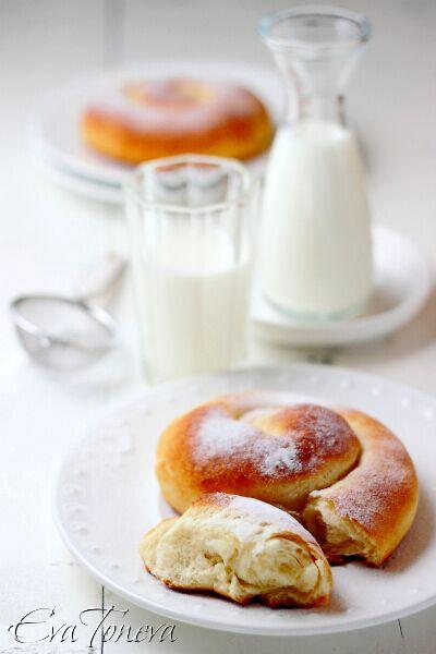 Ensaimadas - delicious Spanish breakfast rolls made from yeast dough