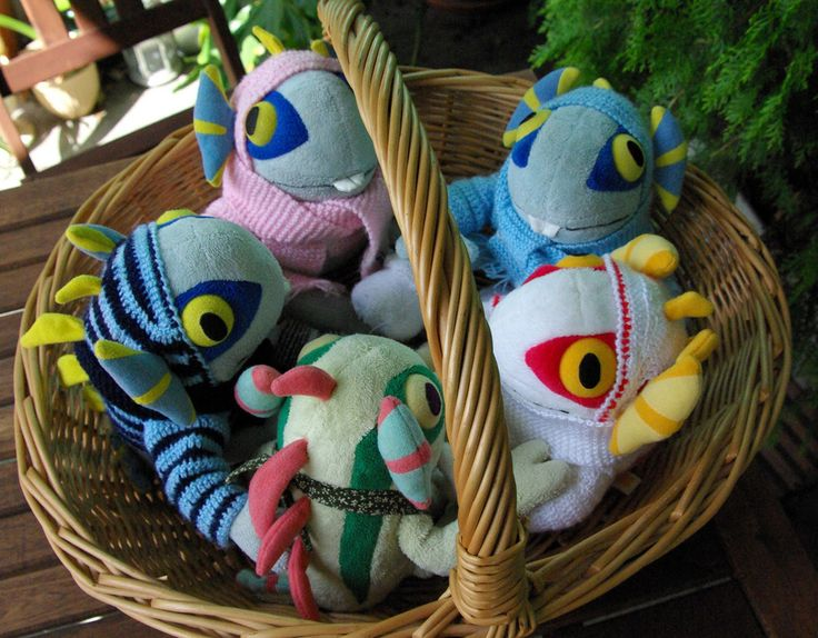 World of WarCrafts: Murloc Nursery (Use those cheap bundle of socks and felt, stuffing, sew them together)