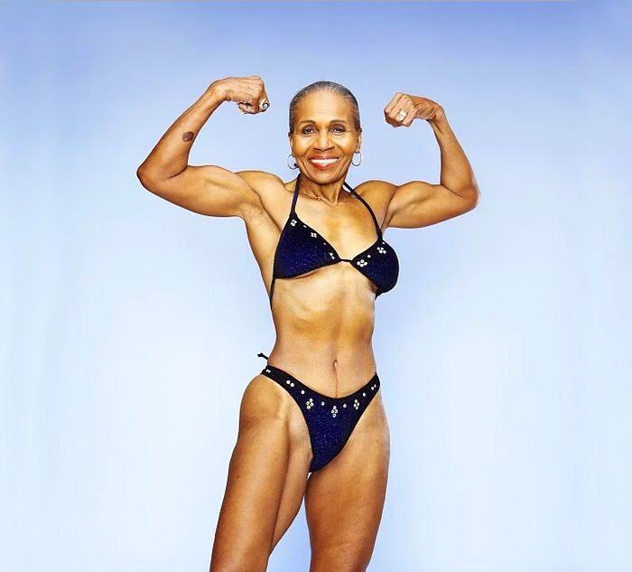 "Ernestine Shepherd ""Ernie"" - a Competitive Bodybuilder Celebrated Her 80th Birthday, http://inspiredvox.com/ernestine-shepherd-bodybuilder-80-year-old/"