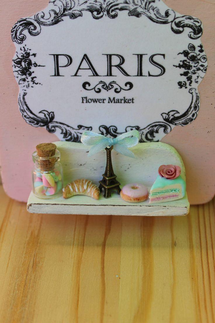 Shabby chic romantic vintage Paris patisserie handmade door hanger wood sign,eiffel tower,cupcake,croissant, roses-Wall decor di ManthaCreaMiniatures su Etsy