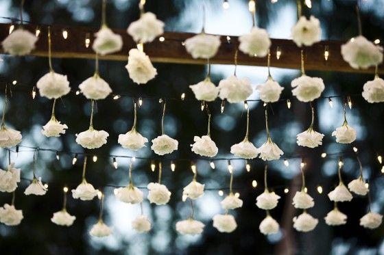 Flores nas Luzes de Natal para a entrada na Recepção