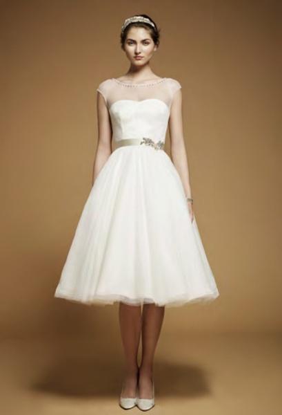 Robe de mariée pas cher   Robe de soirée pas cher - Robe de mariée col rond avec manches courtes ornée de ruban longueur aux mollets en satin et organza