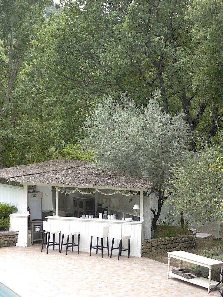 Les 25 meilleures id es de la cat gorie bar de la piscine for Piscine wine