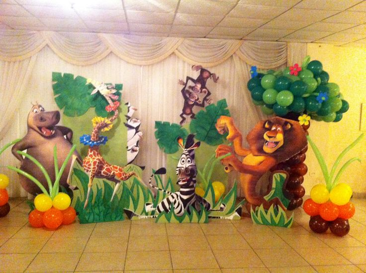 Madagascar theme party deco
