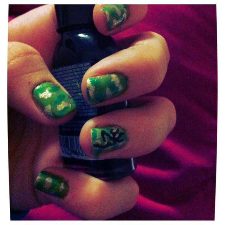 camo nails with browning