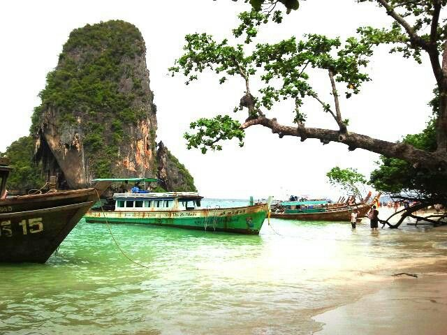 4 islands day trip 650 - 750 baht (08.30 - 15.30) Departure point: Ao Nang Hotel pick-up. Travel by traditional longtail to Phra Nang Cave beach, Chicken and Poda Islands, as well as the sandbank between Tub and Mor Islands. Thai buffet lunch is served, picnic style, on an island beach, and there will also be a couple of open water snorkeling stops,  Included in tour price: Buffet picnic lunch; fruit; drinking water, Masks and snorkels; guide; National Park entry fees. www.yourkrabi.com