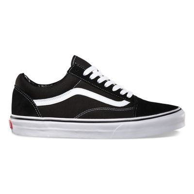 The Old Skool, Vans classic skate shoe and the first to bare the iconic side stripe, has a low-top lace-up silhouette with a durable suede and canvas upper with metal eyelets, padded tongue and lining and Vans signature Waffle Outsole.
