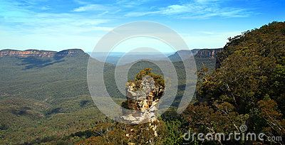 A rock outcrop overlooking  the beautiful blue mountains in New South Wales, Australia