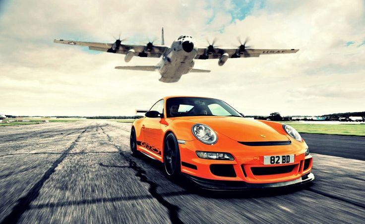 #Porsche 997 GT3 RS vs Plane