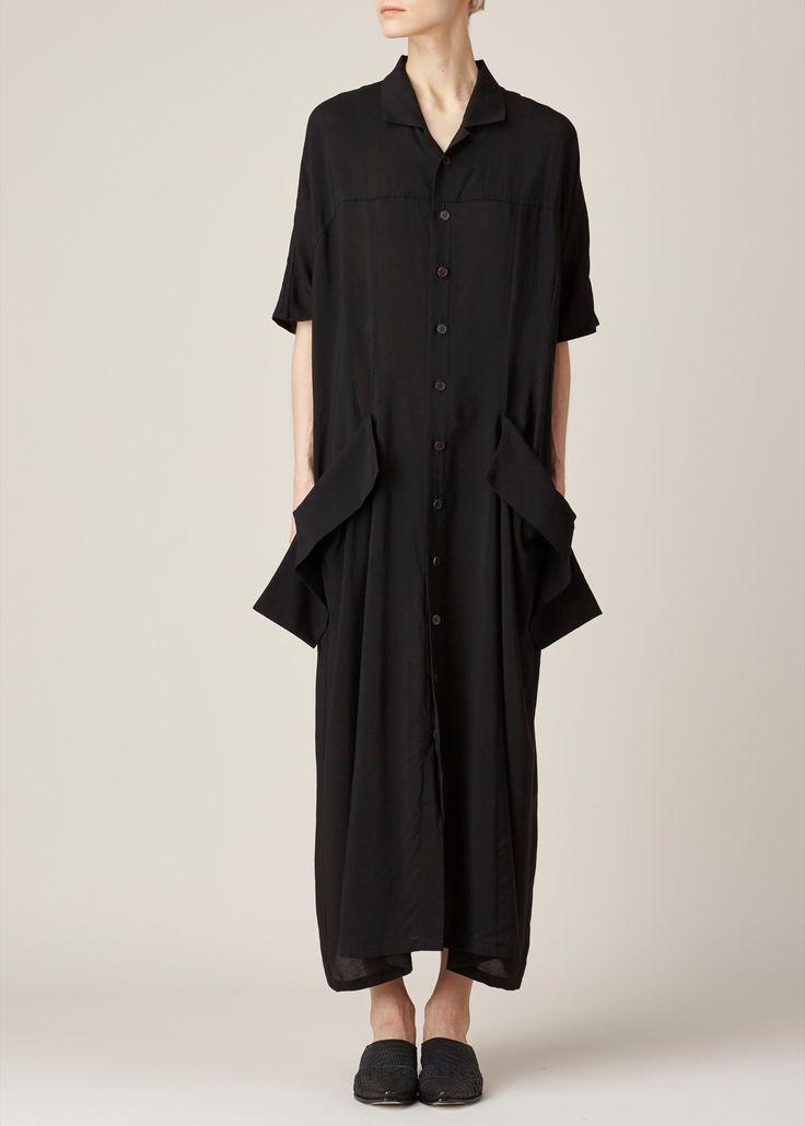 Contemporary Fashion - black shirt dress with oversized pockets // Yohji Yamamoto