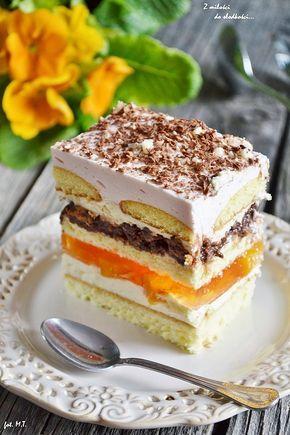 Nutelka - ciasto z brzoskwiniami, kremem, czekoladą i truskawkową pianką