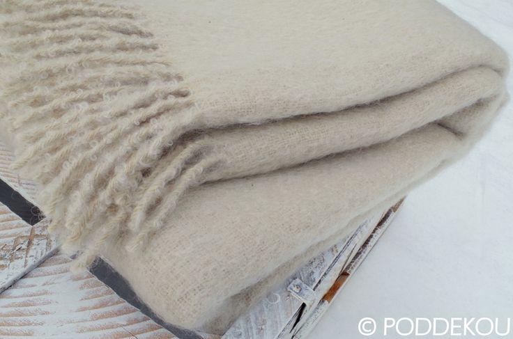Luxusná deka béžovo biela. Mohérová deka smotanovo biela.