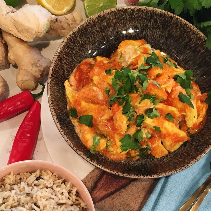 Phil Vickery's lean spicy chicken and tomato curry