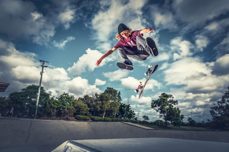 Skateboard photography, shot with strobes and a Canon 5D