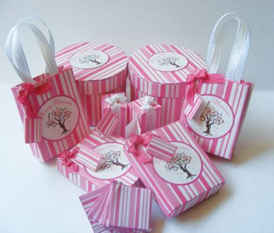 Make pretty packages - Dolls House Magazine - Crafts Institute  neat stuff here