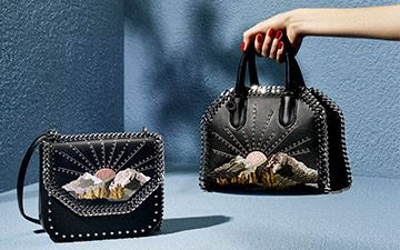 Shop the Black Falabella Box Nashville Mini Bag by Stella Mccartney at the official online store. Discover all product information.