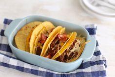 Op zoek naar een lekker, simpel en snel recept? Bekijk dan dit recept voor Mexicaanse taco's uit de oven. Super lekker en ook nog eens zo klaar!