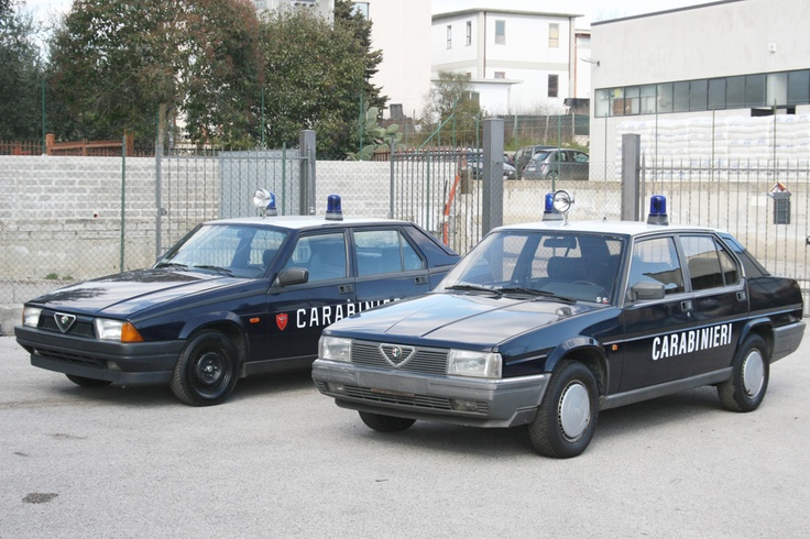Alfa 75 and Alfa 90 Super Carabinieri