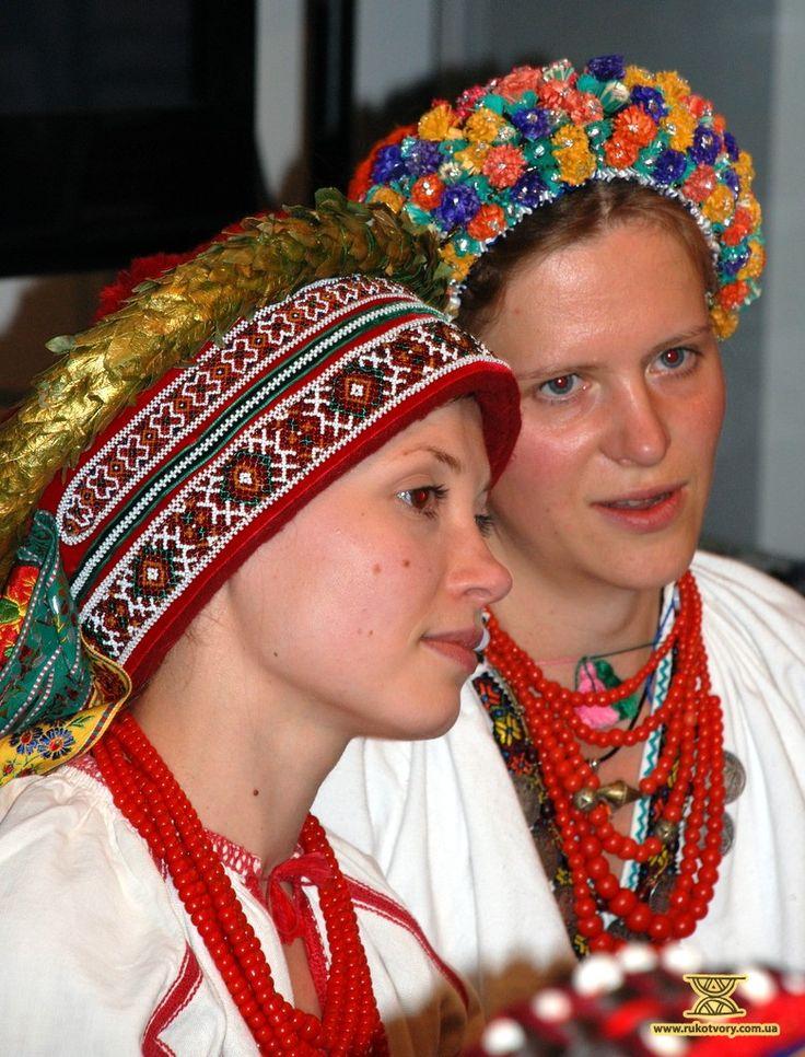 Traditional wedding headdresses, Ukraine