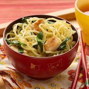 Chicken Chow Mein for kids  Lunch around the world china