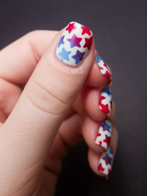 Chalkboard Nails: Stenciled Star Nails (+ Tutorial)