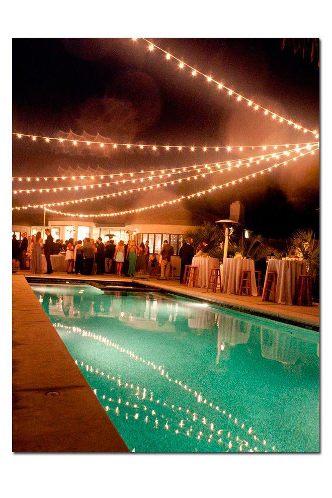 Decoraci n piscina y mesas altas para copa de espera for Decoracion de piscinas