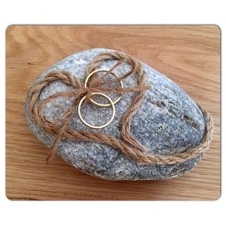 Ring bearer βότσαλο.. για ξεχωριστούς καλοκαιρινούς γάμους.. Ring bearer - ring holder by InspirationsbyEf on Etsy