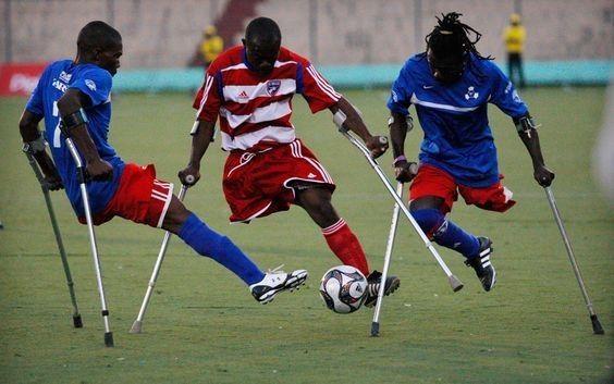 Nawet niepełnosprawni grają w piłkę nożną pomimo fizycznych przeszkód • Piłka nożna to coś o wiele więcej niż sport • Zobacz więcej >> #football #soccer #sports #pilkanozna #futbol