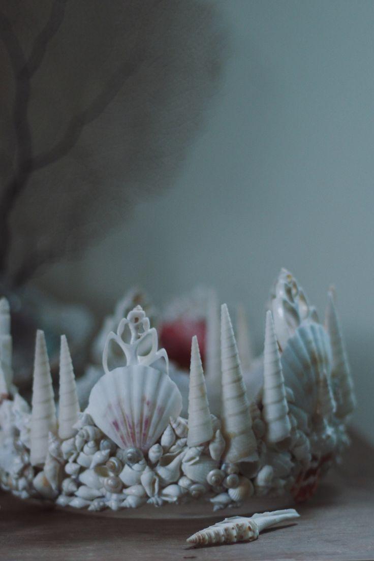 Beautiful mermaid seashell crown