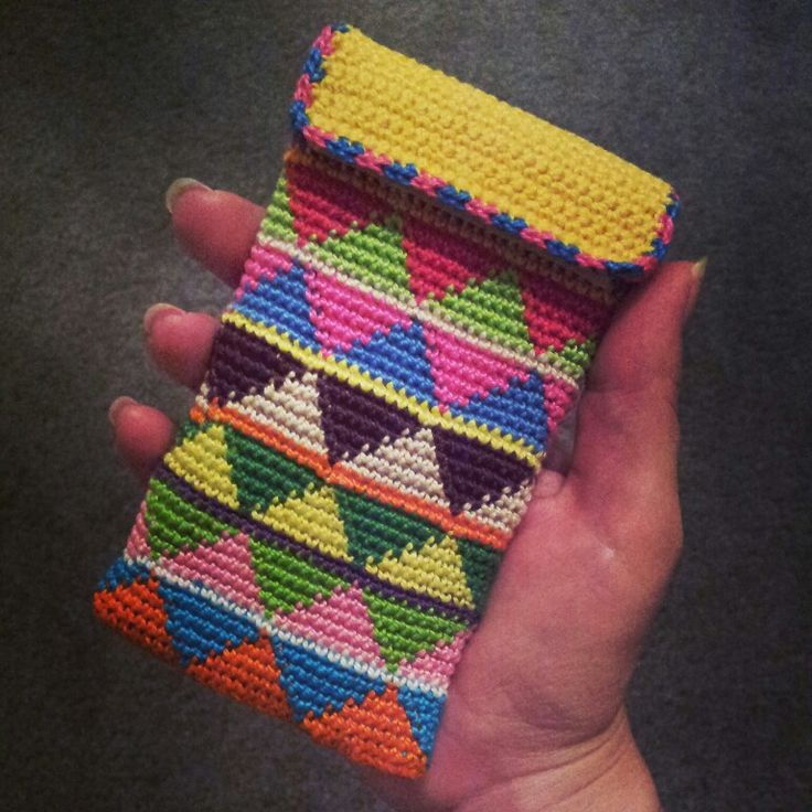 tapestry crochet phone case