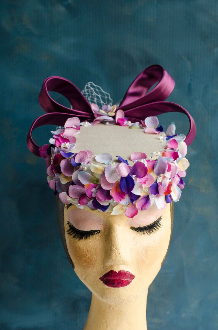 Cream pillbox hat, flower petals, glass pearls, czech crystals, fascinator, racing hat, wedding hat by RoslynAndCo on Etsy https://www.etsy.com/au/listing/533119634/cream-pillbox-hat-flower-petals-glass
