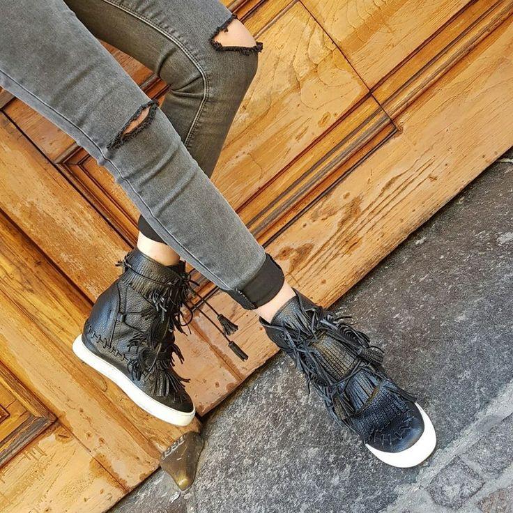 Chic Shoes |   Stivaletti con frange – Vera pelle – Made in Italy
