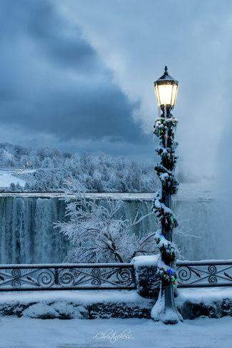 #holidaymoments Niagara Falls, ON