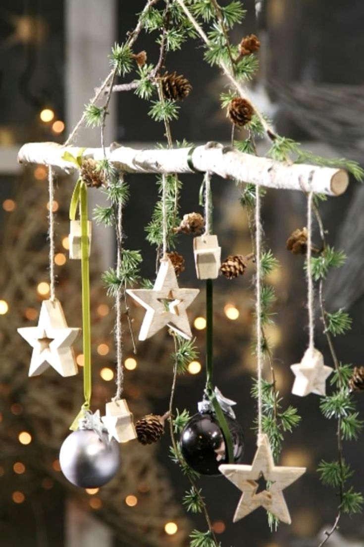 Birkenzweig mit 7 hängenden Sternen Birkenastzweig mit Sternen Weihnachtsdekoration