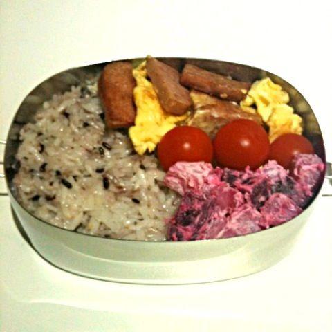 ポーク卵は弁当に入れると見た目がイマイチだけど、好きなおかずが入っていると嬉しいよね♪ - 59件のもぐもぐ - ポーク(スパム)卵弁当 by 小鍋 (pentolina)