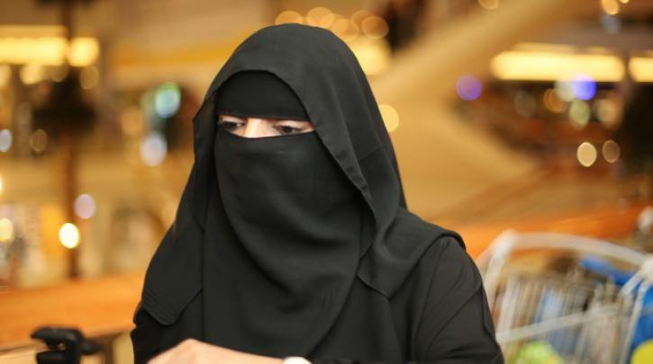 «Στον τοίχο» η βελγική κυβέρνηση για τη θετική στάση της στο να τεθεί η Σαουδική Αραβία προστάτιδα των γυναικείων δικαιωμάτων :: left.gr