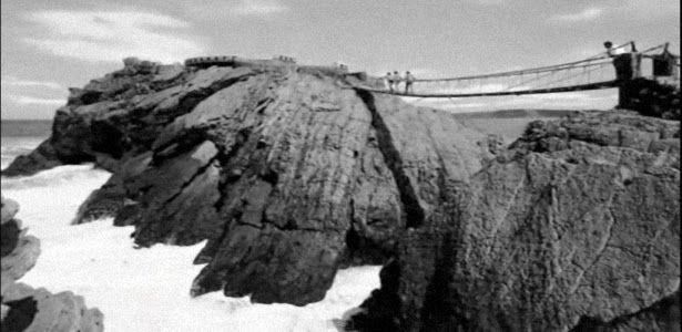 Puente colgante de Salinas