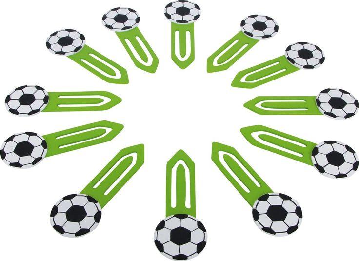 """Lesezeichen selber basteln war gestern, so geht Fußball heute: Echte Fans markieren ihre Ergebnisse aus der Fußball Bundesliga mit diesen zwölf Bällen. Schön praktisch, falls man mal einen """"Ball verlegt"""" hat.  ca. 9,5 x 3,5 x 0,5 cm"""