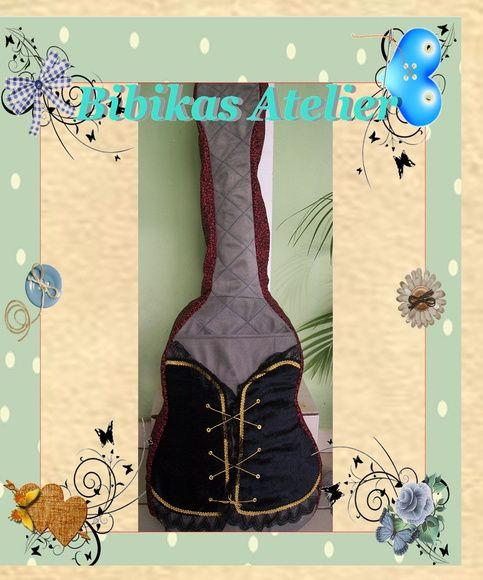 capa para violão, com forro em nylon acoplado, (espuma) para proteção do instrumento R$ 160,00