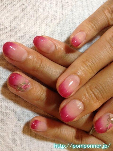 Gradient of magenta red nail    マゼンタレッドのグラデーションネイル