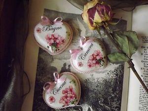 http://i.ebayimg.com/t/3-Targhette-Insegna-stanza-Porta-Shabby-Country-Cucina-Bagno-Camera-Casa-Arredo-/00/s/NzIwWDk2MA==/z/YKAAAOxycmBS08Yv...